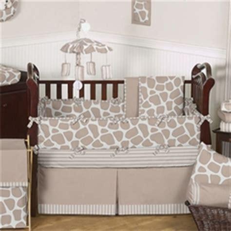 babies neutral crib bedding