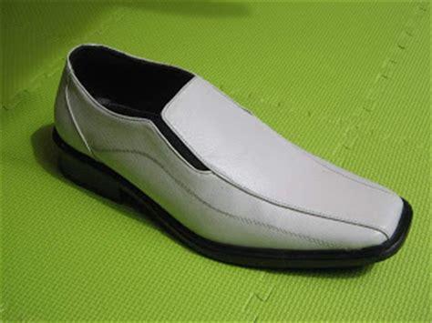 Sepatu Pantopel Kulit Kickers 6 sepatu kulit kumpulan gambar