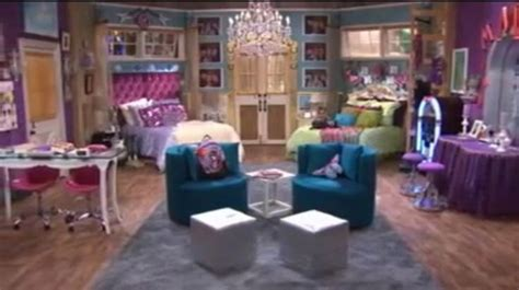 zoey 101 room 1000 images about rooms on zoey 101