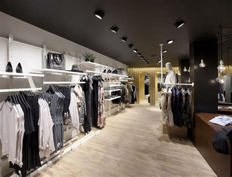 Fashion Shop by Unisex Fashion Store By Riis Retail Esbjerg