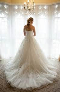 choosing a bridal train confetti co uk