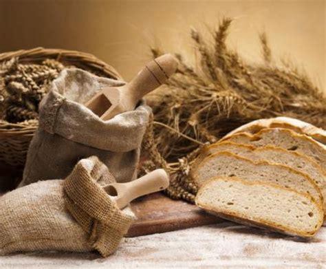 ricetta pane toscano fatto in casa pane fatto in casa la ricetta per preparare il pane fatto