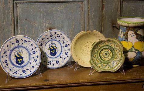ladari di ceramica il filo mugello 187 preziose ceramiche antiche in mostra
