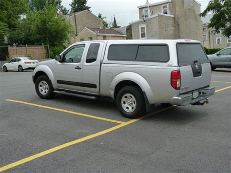 sell used 2006 nissan frontier xe extended cab pickup 4 door 2 5l in philadelphia pennsylvania