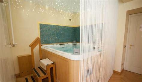 vasca termale idromassaggio in foto di villa dei cedri col 224