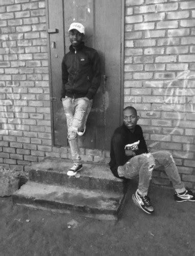 Download Mp3 De Mthuda & Kwiish SA Invitation | FAKAZA