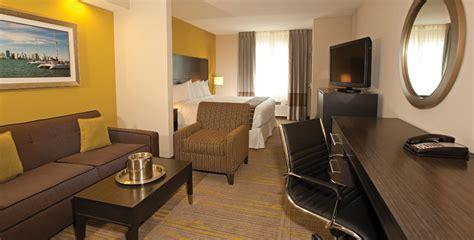 comfort suite miami comfort suites miami airport miami airport hotel