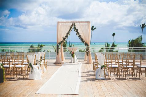 wedding resorts new sky wedding spot at the new nickelodeon resort punta cana