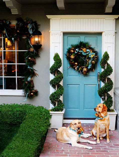 Christmas Door Decorating 30 inspiring front door designs hinting towards a happy