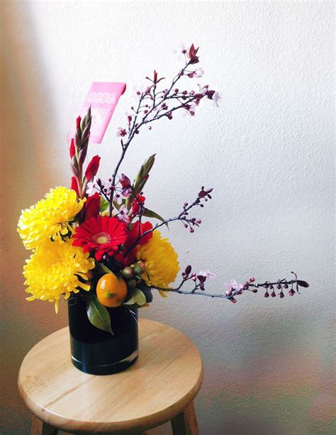 name of new year flowers golden chrysanthemums gerbera gladioli and miniature