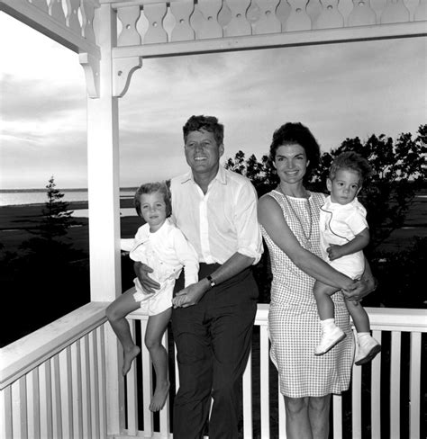 john f kennedy jr children president kennedy and family 04 august 1962 john f