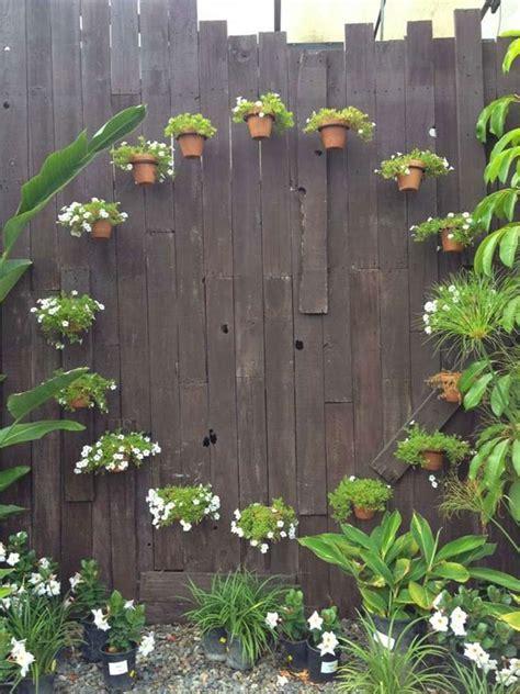 decorare vasi di terracotta vasi di terracotta per abbellire il giardino 15 idee da