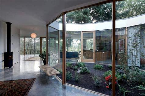 jardineras patio interior resultado de imagen de casa con patio interior casa con