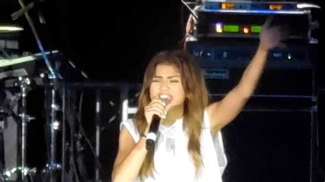 zendaya online zendaya quot leave me alone quot live at l a county fair youtube