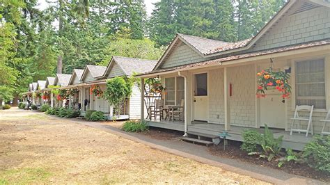 Singer Tavern Cottages by Great Getaways Washington S Olympic National Park Ranch