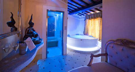 hotel con vasca idromassaggio in piemonte bagno con bagno con picture of astoria