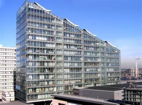 bedroom apartment  sale   deansgate manchester