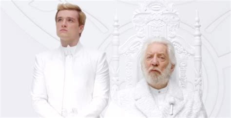 mockingjay part 1 deleted scene peeta and snow chat donald sutherland reveals mockingjay deleted scene