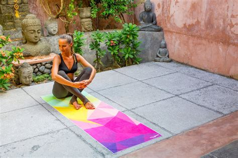 Design Lab Reviews | the geo hot yoga towel by yoga design lab review
