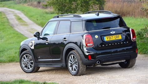 mini cooper countryman mini cooper s e countryman all4 phev greencarguide co uk