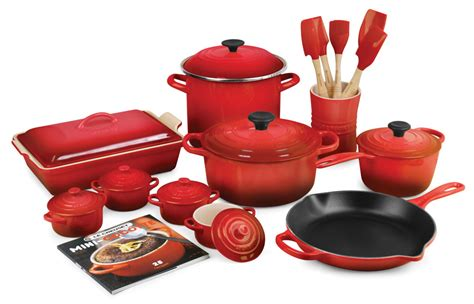 le creuset le creuset signature cast iron cookware set 24 piece cherry red cutlery and more