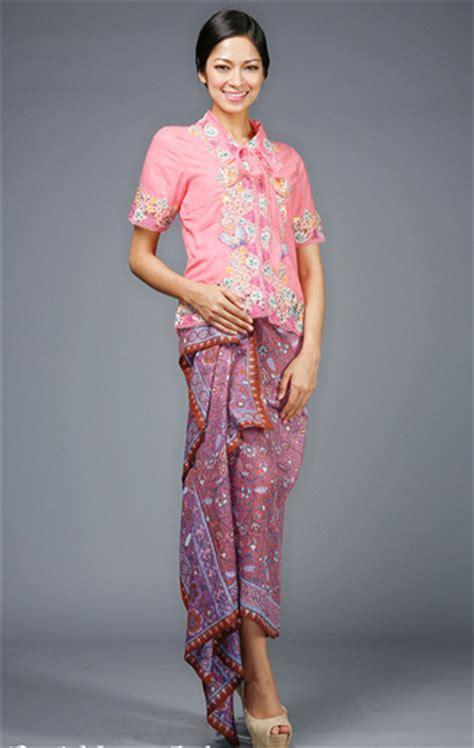 Kebaya Kartinian 15 model kebaya modern remaja untuk kartinian gebeet