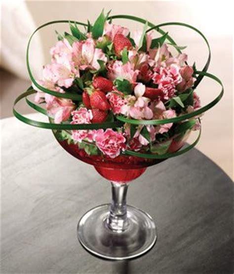 Wine Glass Vase Flower Arrangement by Flower Arrange In Wine Glass Novelty Flower Arrangements