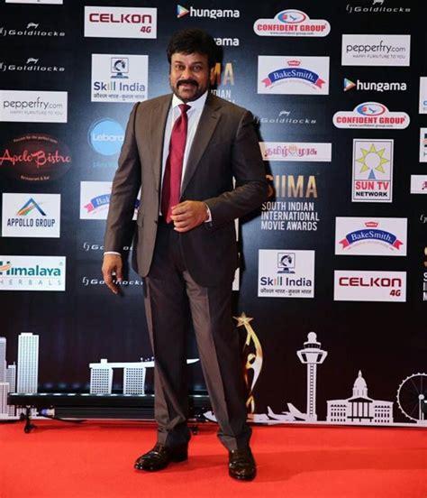 comedy actor vijay sai family photos allu arjun chiranjeevi sivakarthikeyan vikram at siima