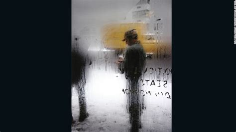 saul leiter the photographer who saw world in color cnn com saul leiter the photographer who saw world in color cnn com