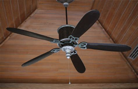 Ceiling Fans Raleigh by Reduce Energy Costs With Ceiling Fan Lighting Fixtures
