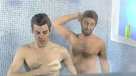 Shower Together by Gareth Bale Likened To Forrest Gump And Shown Picking Up New Injury In Tv Show Crackovia