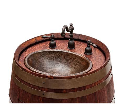 lavelli in rame il lavandino in rame nella botte antica ideare casa