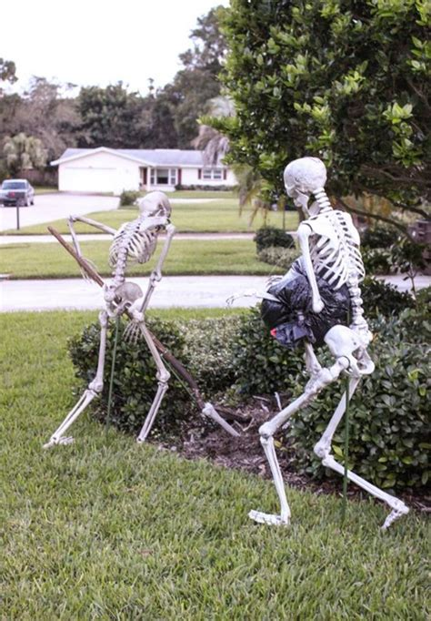 funny skeleton decorations     halloween