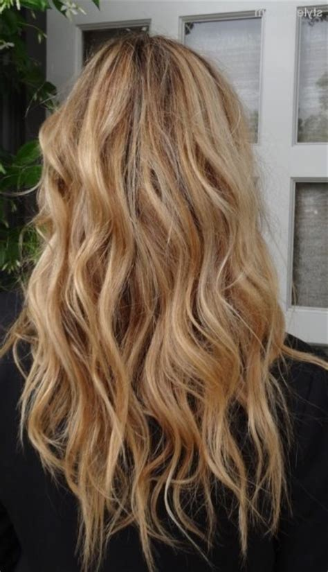 classic blond hair photos with low lights goodhairstyles blonde hair color ideas with lowlights hair