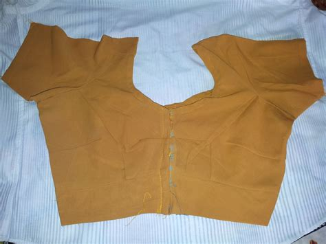 blouse cutting how to cut a saree blouse easy method