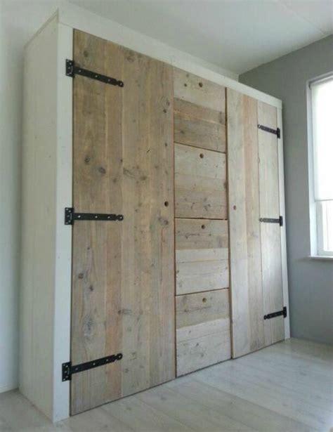 armarios hechos con palets armarios hechos con palets muy originales para guardar tu