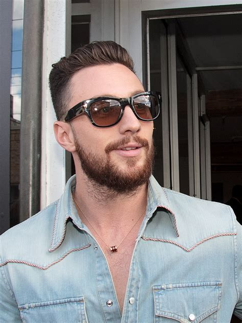 aaron taylor johnson how tall how rich is johnson taylor net worth height weight age