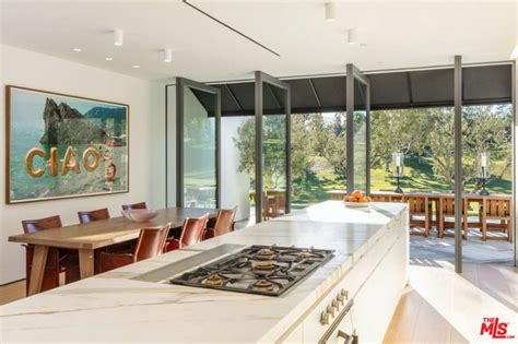 Trulia Malibu by Lori Loughlin Lists Beautifully Renovated Bel Air Mansion