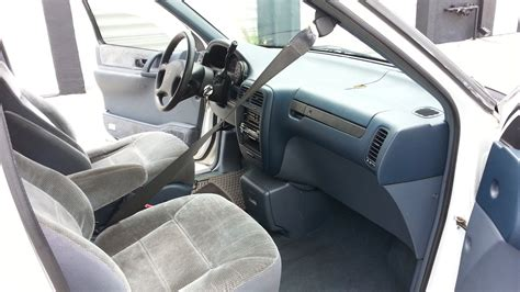 nissan minivan inside 2005 nissan quest interior wallpaper 1600x900 38820