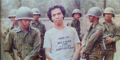 Buku Jadi Bukan Warkop Dki aksi dono warkop dki adang tentara di peristiwa mei 98