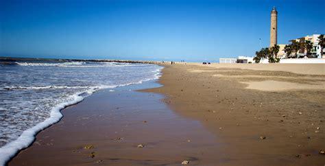 poringueras en las playas chipiona cadiz turismo