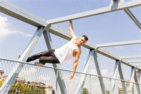 barandilla de un puente puente colgante fotos y vectores gratis