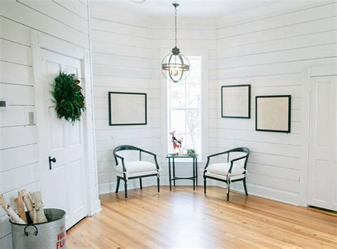 See How Hgtv Stars Chip Joanna Gaines Decorate For The Holidays | see how hgtv stars chip joanna gaines decorate for the