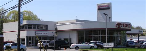 Toyota Dealer Nyc New York Car Showrooms Dealerships