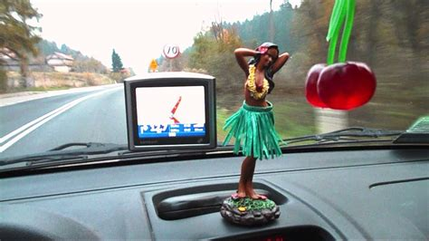 Hawaii Wackelfigur Auto by Dashboard Hula