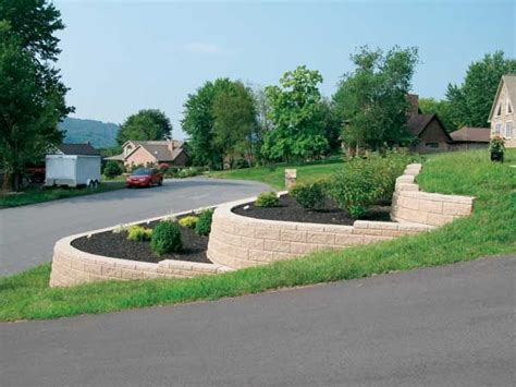 sloped front yard 25 best ideas about sloped front yard on