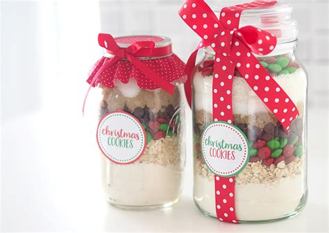 gift idea christmas cookie mix in a jar the organised
