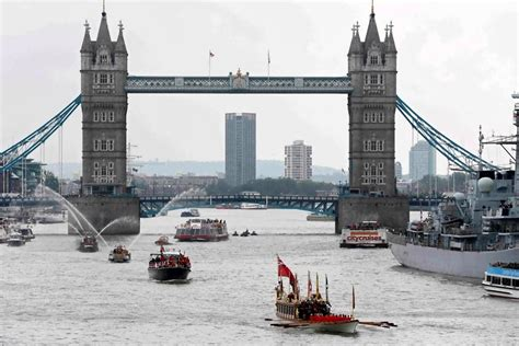thames river width london queen elizabeth quot never aspired quot to become uk s longest