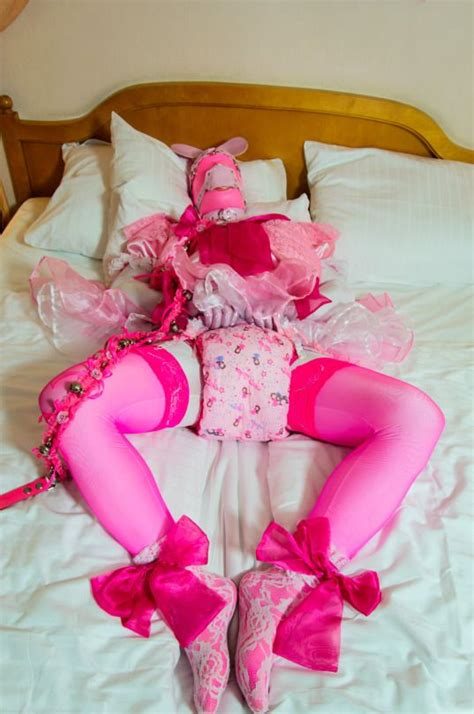 how to diaper train yourself sissy kiss feminization 135 best sissy diapers images on pinterest