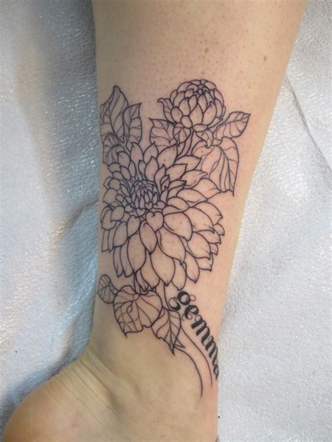 dahlia tattoo designs dahlia flower pictures to pin on tattooskid